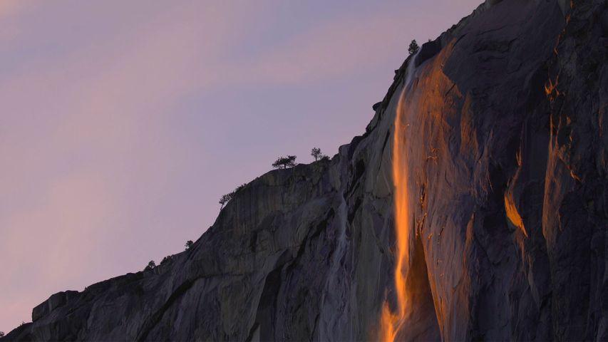 「ファイヤーフォール」米国カリフォルニア州, ヨセミテ国立公園