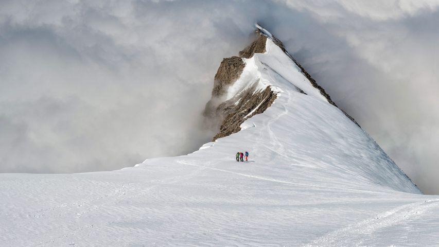 「バルムホルンと登山家」スイス, ベルニーズアルプス