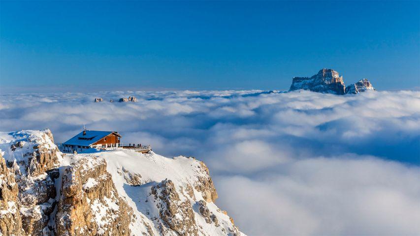 「ラガツォイ小屋とペルモ山」イタリア, ドロミーティ