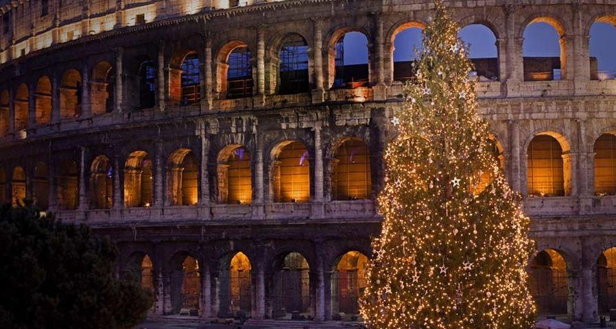 「クリスマスのコロッセオ」イタリア, ローマ