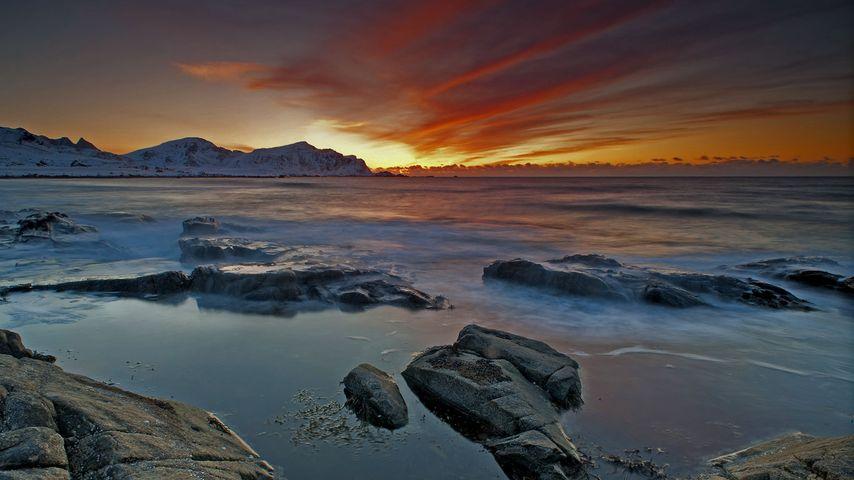 「フラックスタッドの浜辺」ノルウェー, ロフォーテン諸島