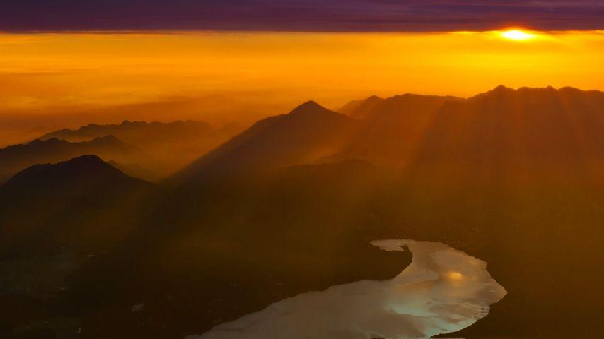 「山中湖の朝日」山梨, 富士山