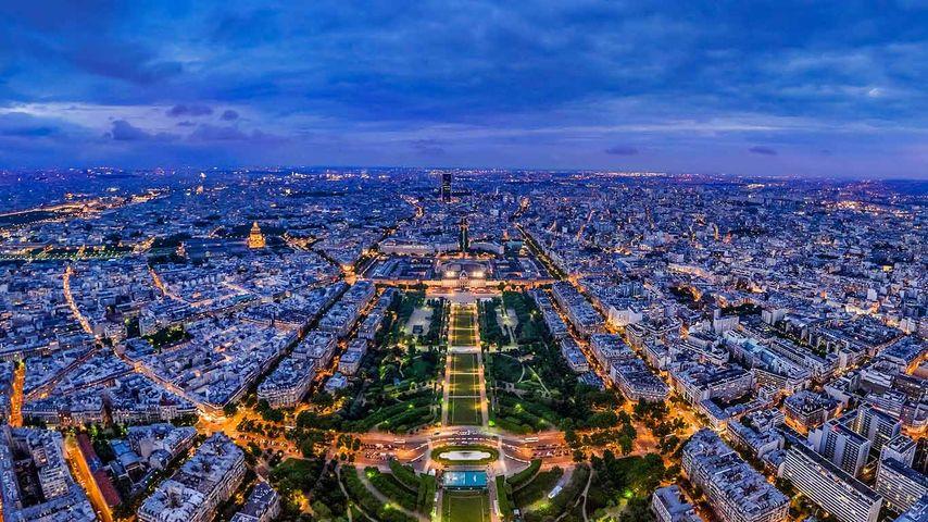 「パリの夜」フランス