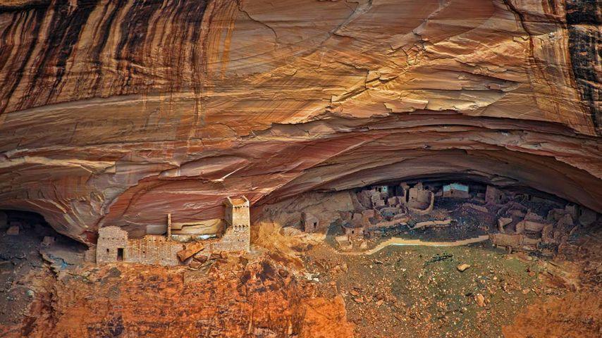 「古代プエブロ族の住居遺跡」アメリカ