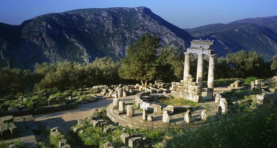 「アテナの神殿」ギリシア, デルポイ