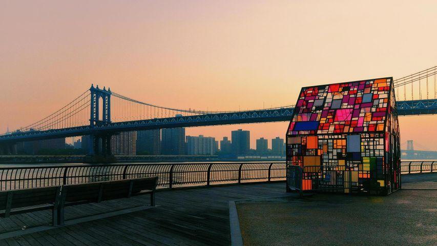 「ブルックリン橋とコロニヘーヴ,2010」アメリカ合衆国, ニューヨーク州
