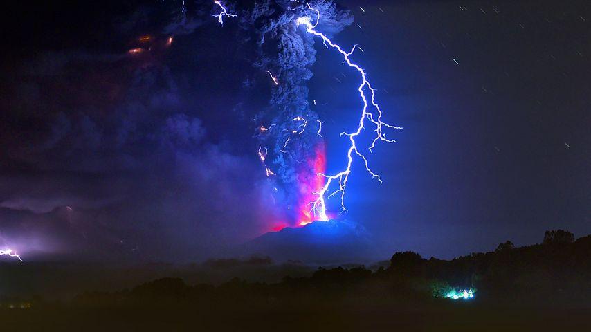 「カルブコ火山噴火」チリ