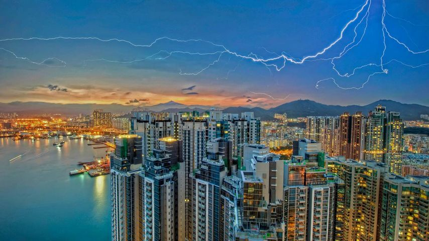 「九龍湾の雷」香港