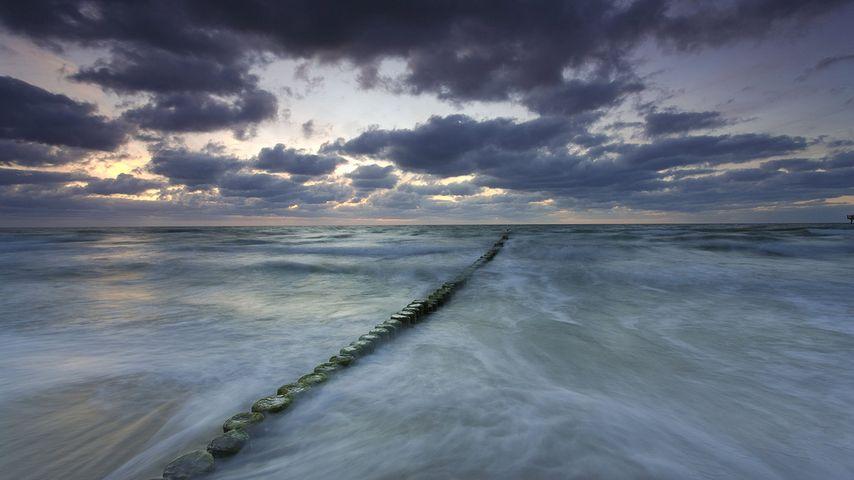 「バルト海に伸びる防波堤」ドイツ, メクレンブルク=フォアポンメルン州