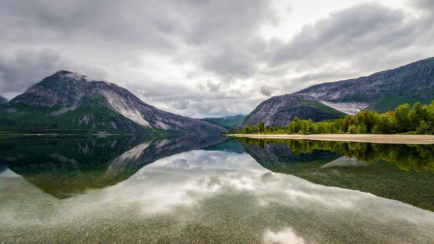 「ソーフォルドの湖」ノルウェー, ヌールラン県