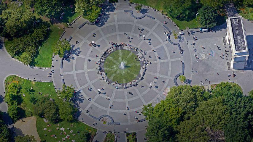 「ワシントン・スクエア公園」米国ニューヨーク市