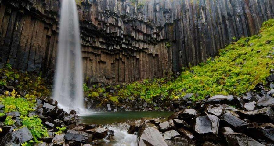 「スバルティフォス滝」アイスランド