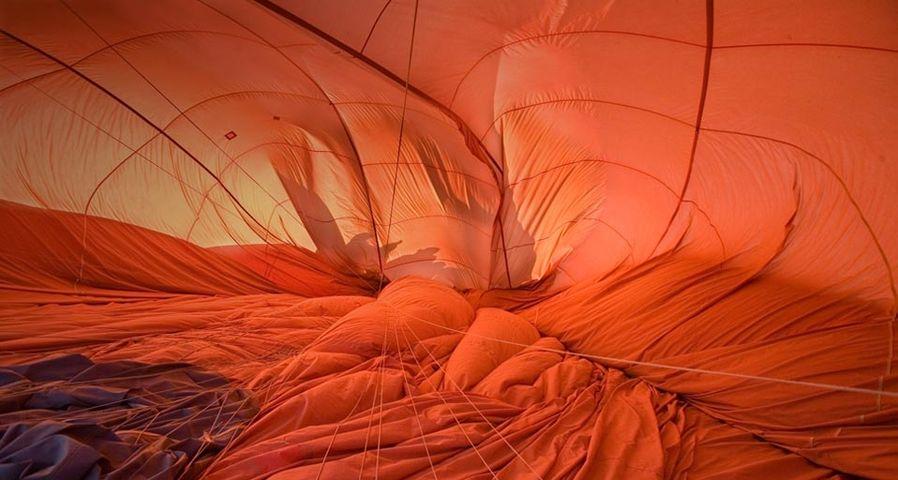 「出発前の熱気球」オーストラリア, アリス・スプリングス