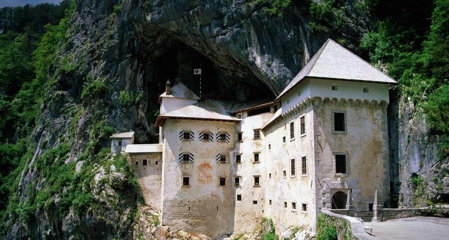 「プレット洞窟城」スロベニア