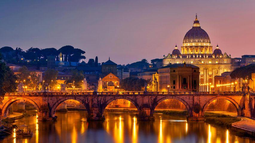 「サンタンジェロ橋とサン・ピエトロ大聖堂」イタリア, ローマ
