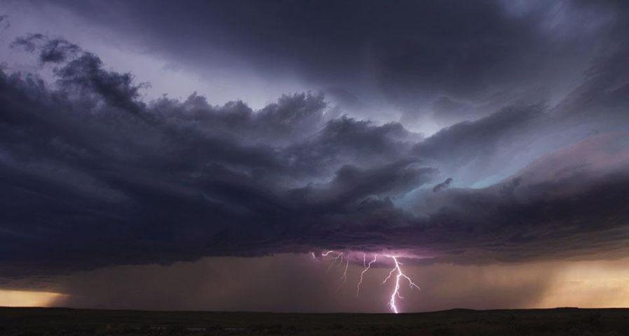 「モンタナの雷雨」アメリカ, モンタナ州
