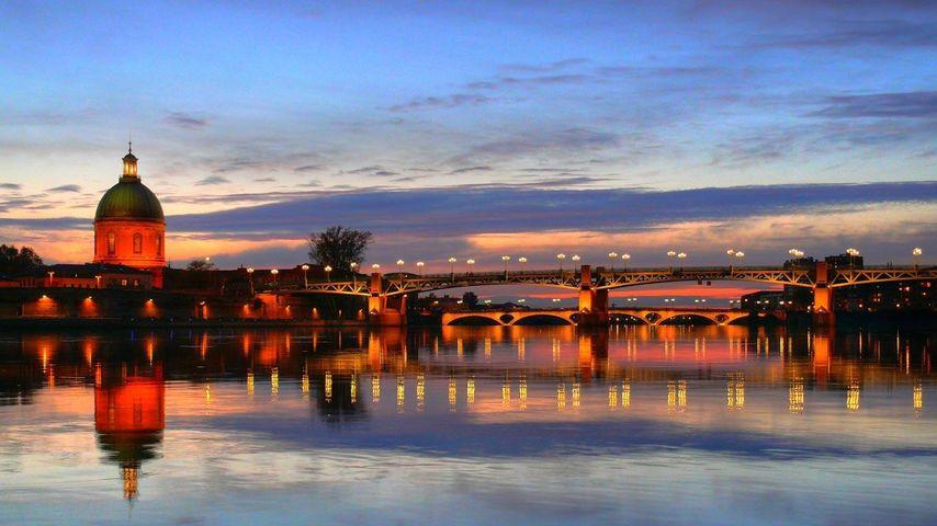 「日没のガロンヌ川」フランス, トゥールーズ