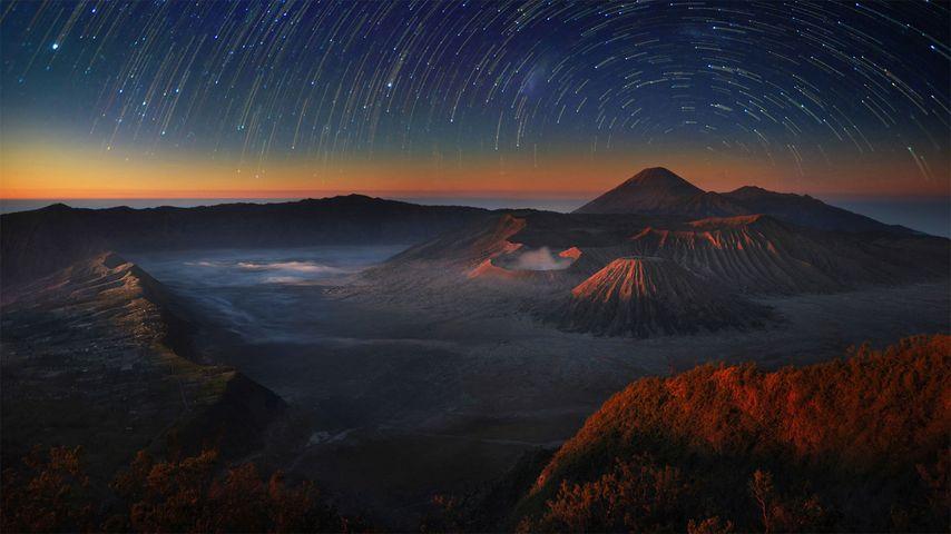 「ブロモ・テンゲル・スメル国立公園」インドネシア, ジャワ