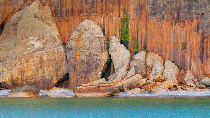 「ピクチャードロック国定湖岸公園」米国ミシガン州