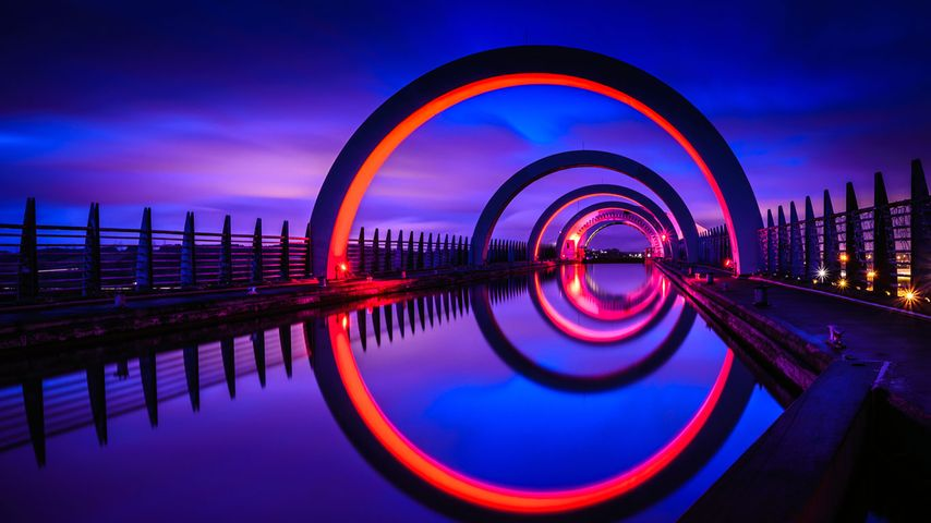「夜のファルカーク・ホイール」イギリス, スコットランド