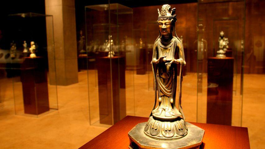 「観音菩薩立像」東京国立博物館