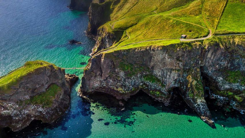 「キャリック・ア・リード吊り橋」イギリス領北アイルランド