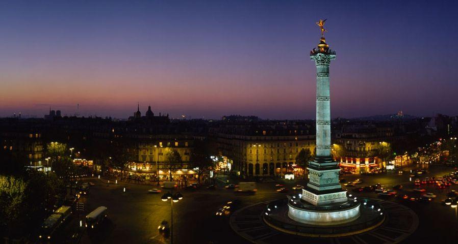 「7月革命記念柱」フランス, パリ, バスチーユ