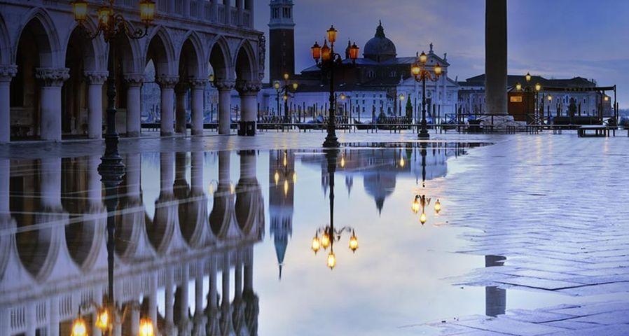 「サン・マルコ広場」イタリア, ベネチア