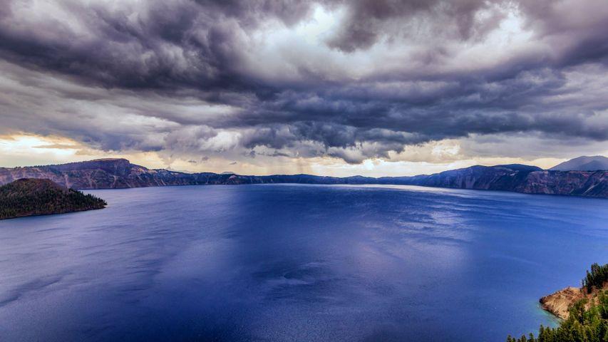 「クレーターレイク国立公園」米国オレゴン州