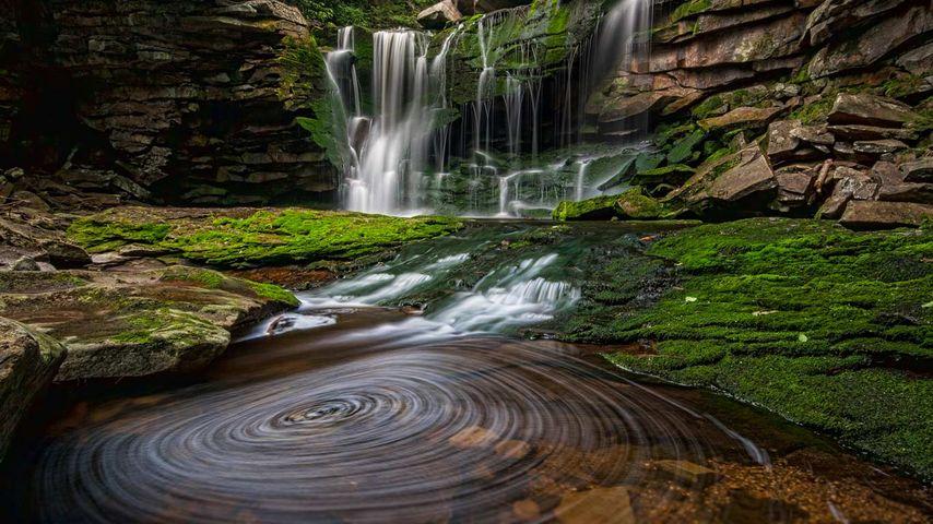 「エラカラの滝」アメリカ, ウェストバージニア州