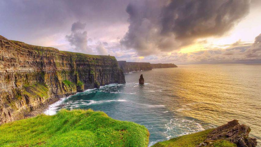 「モハーの断崖」アイルランド, クレア州