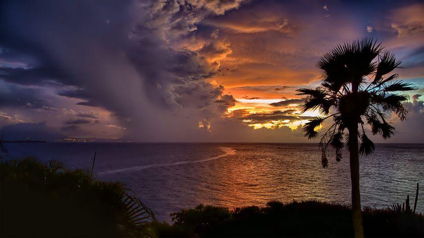 「ドミニカの夕陽」ドミニカ共和国, カバレテ