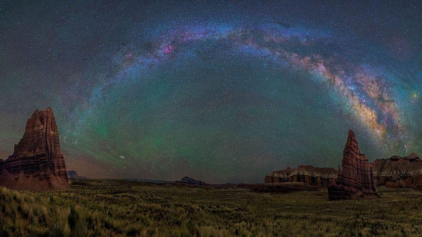 「キャピトル・リーフの銀河」アメリカ, ユタ州