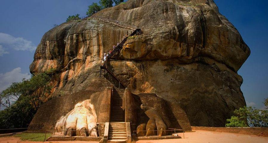 「シギリアロックのライオンの彫刻」スリランカ, シギリヤ