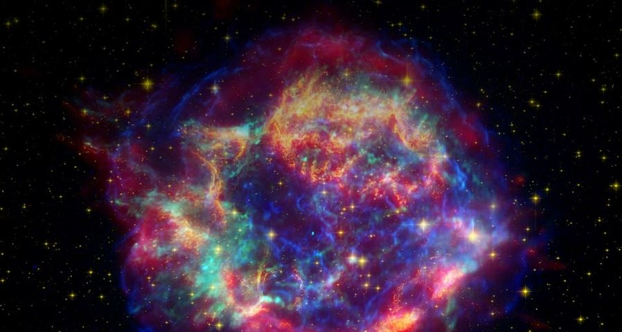 「カシオペヤ座A」 ハッブル宇宙望遠鏡