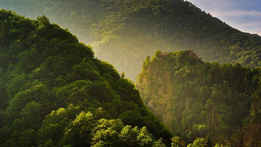「ポエナリ城塞」ルーマニア, ファガラシュ山地