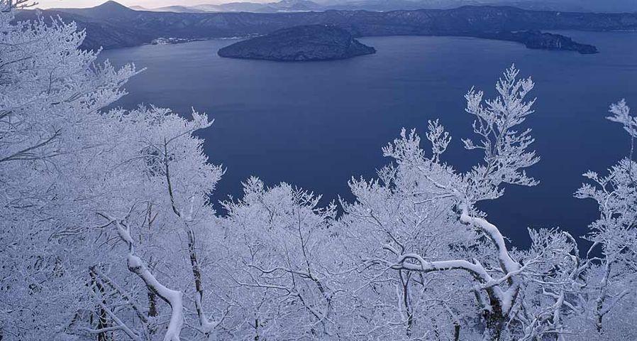 「厳冬の十和田湖」青森, 十和田市