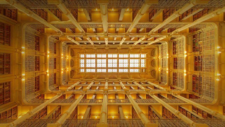 「ジョージ・ピーボディ図書館」米国メリーランド州, ボルチモア