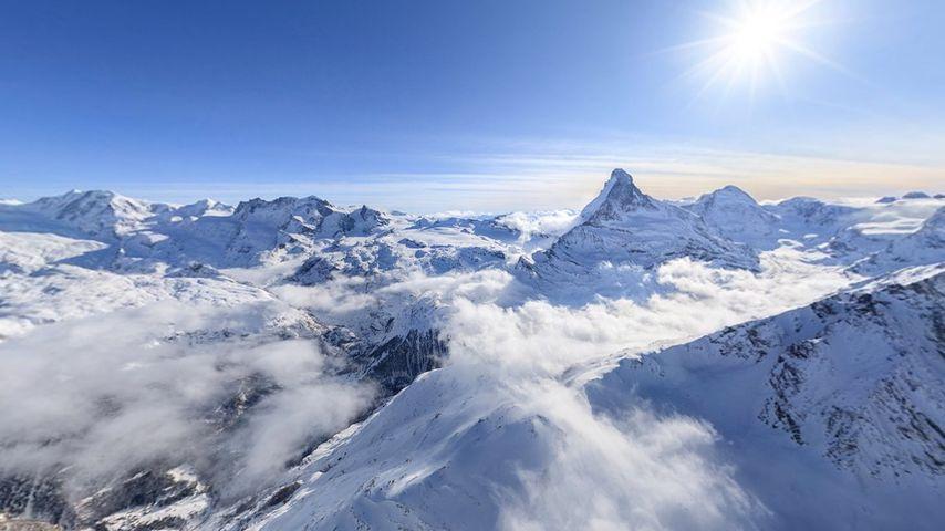 「ペンニネアルプス山脈」スイス