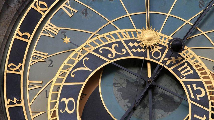 「旧市庁舎の天文時計」チェコ, プラハ