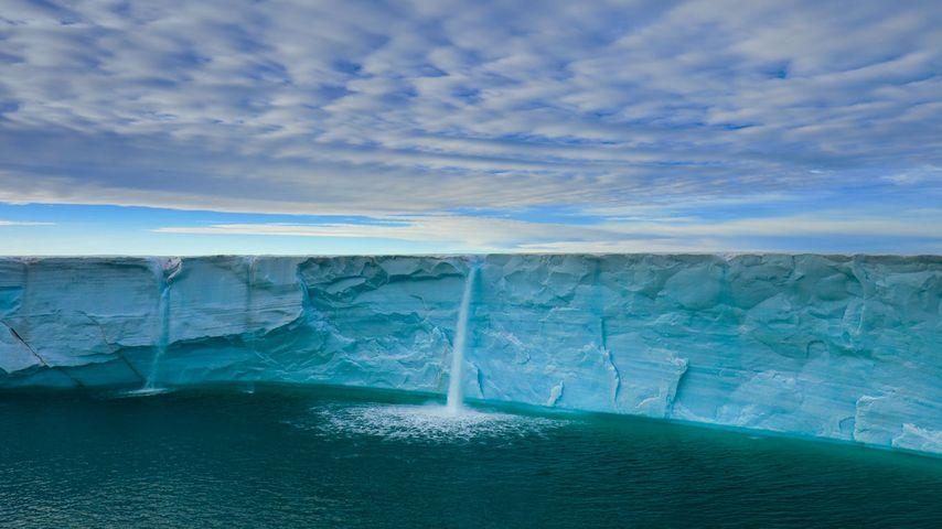 「氷河の滝」ノルウェー, スヴァールバル諸島