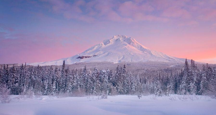 「フッド山の日の出」アメリカ, オレゴン州