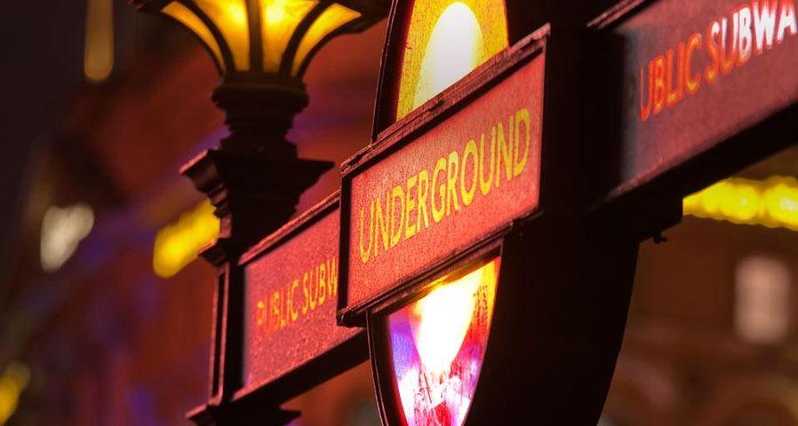 「ロンドンの地下鉄」イギリス
