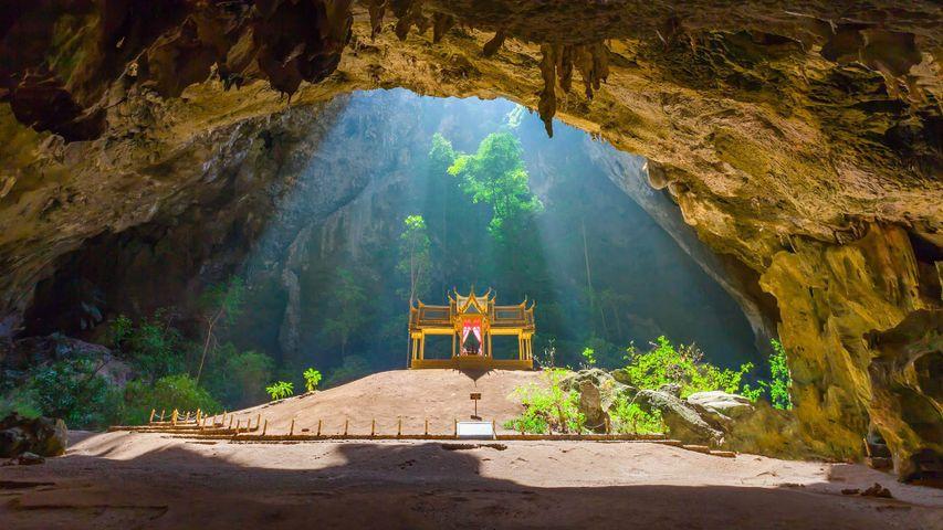 「クーハーカルハット宮殿」タイ, プラヤナコーン洞窟