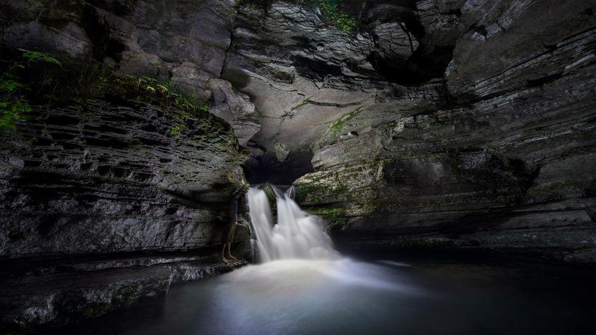 「ブランチャード・スプリングス洞窟」アメリカ, アーカンソー州