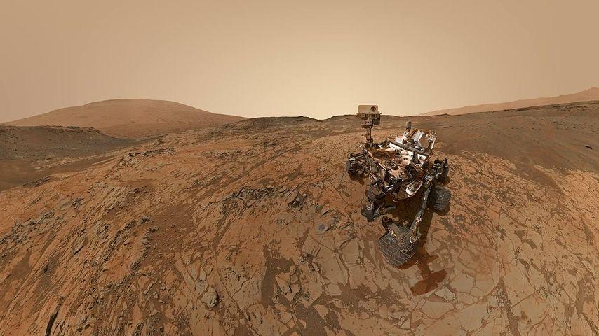 「シャープ山とキュリオシティ」火星