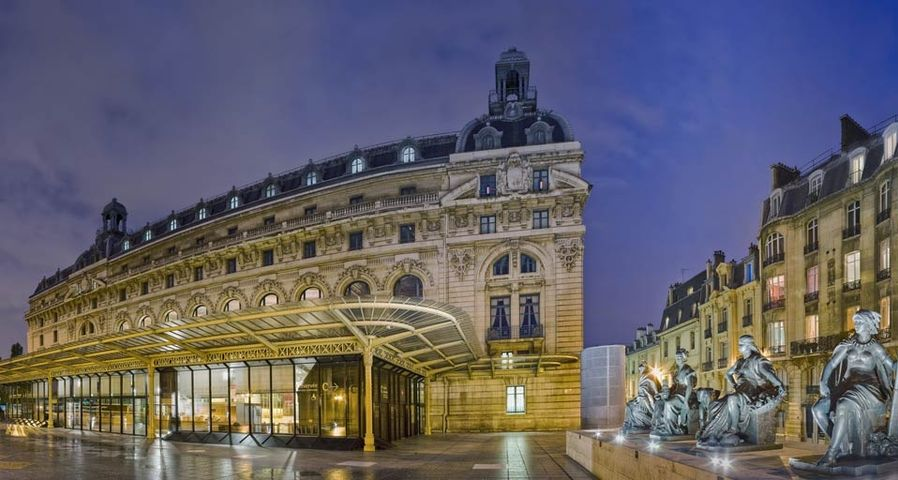 「オルセー美術館正面玄関」フランス, パリ