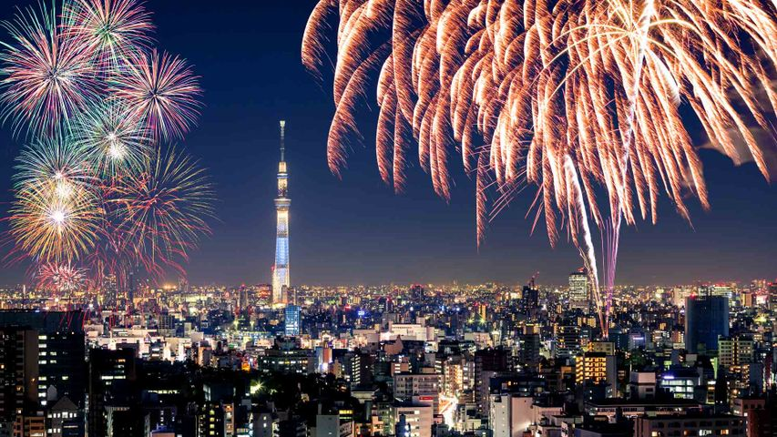 「隅田川花火大会とスカイツリー」東京