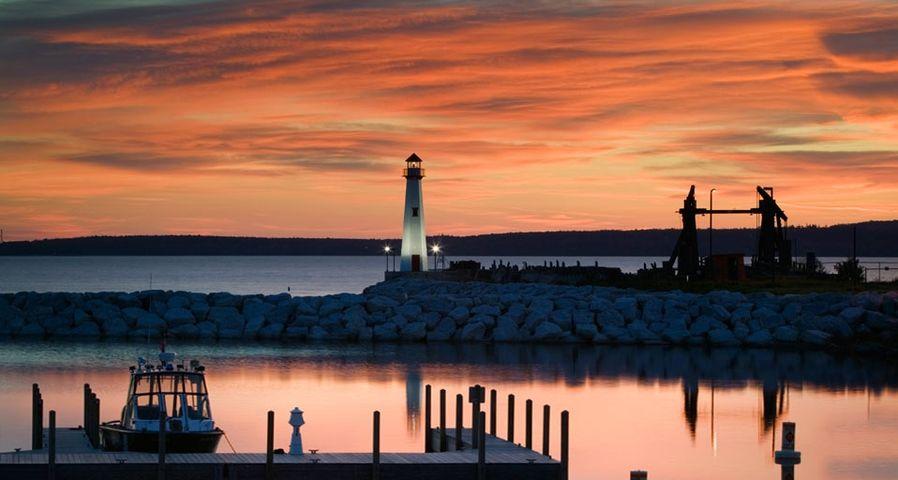 「セント・イグナスの灯台」アメリカ, ミシガン州
