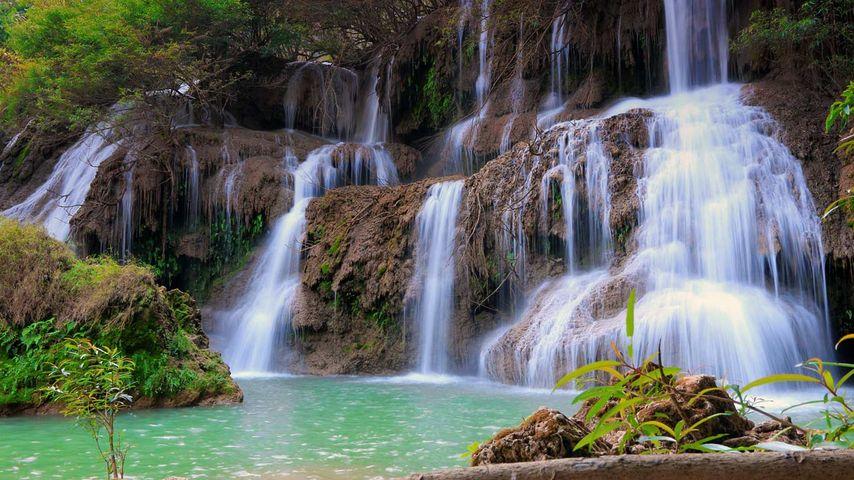 「ティーロースー滝」タイ, ウムパーン野生動物保護区